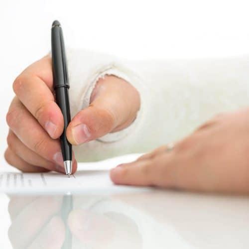 זכותי - לחתום או ללכת עם עורך דין